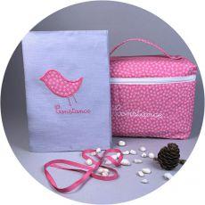 coffret-naissance-fille-rose-trousse-de-toilette-protege-carnet-de-sante